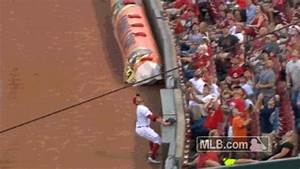 Joey Votto gave a foul ball to a fan and high-fived ...