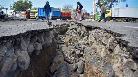 Why Indonesia Has So Many Earthquakes