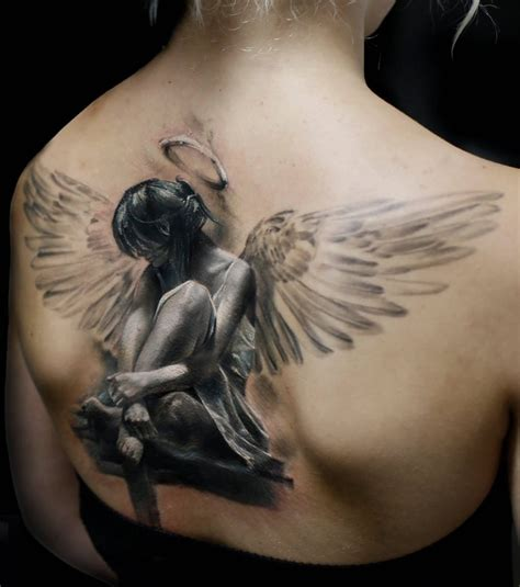 si鑒e pour le dos photo tatouage femme un grand ange dans le dos