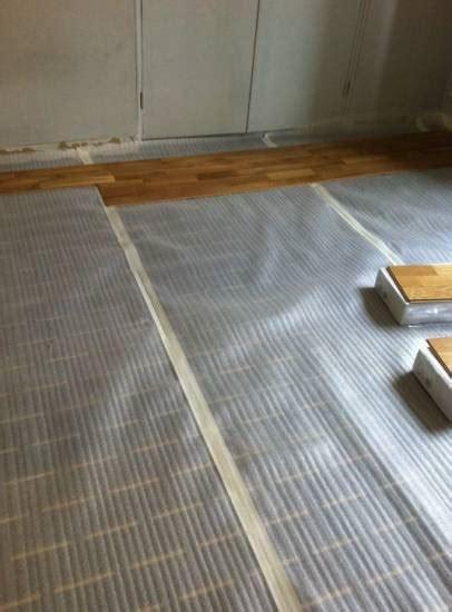 nettoyer un tapis avec du vinaigre blanc nettoyer le parquet flottant avec du vinaigre blanc prix du batiment gratuit 224 hy 232 res entreprise