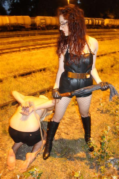leder mistress myra die verspielte madame