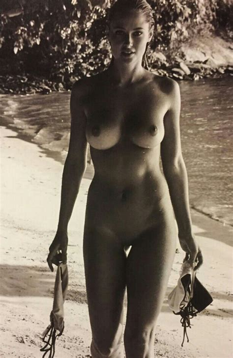 Genevieve Morton Naked At The Beach Pussyplease