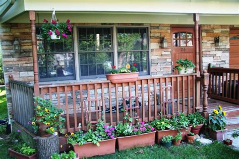 how to applying front porch decorating ideas trellischicago