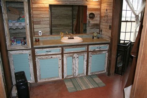 kampf cabin rustic bathroom  metro  big