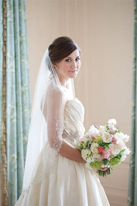 wedding veil ,bridal hairstyles,wedding veil hairstlyes
