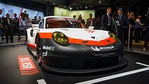 Porsche 911 Rsr 2017 : mid engined porsche 911 rsr screams at monza with new exhaust ~ Maxctalentgroup.com Avis de Voitures