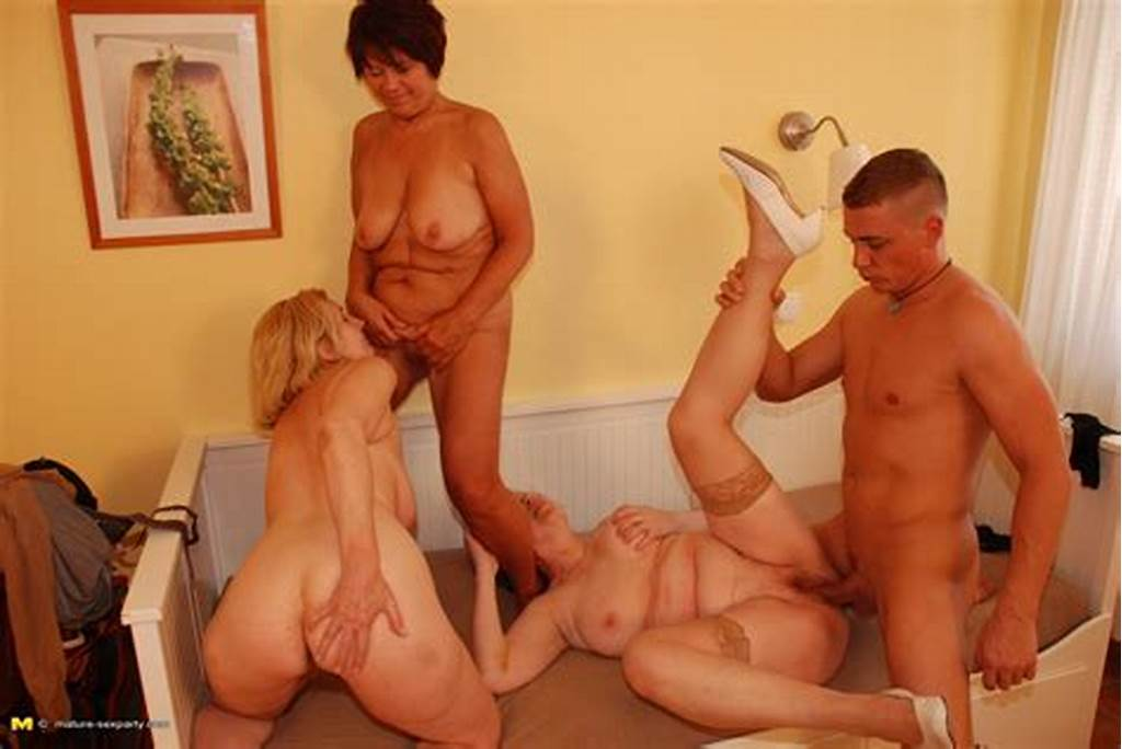 #One #Lucky #Dude #Fucking #Three #Mature #Sluts