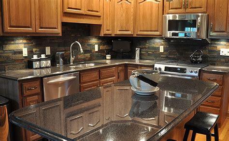 black countertop multicolor slate backsplash   Backsplash.com