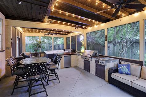 Kitchen Island For Sale Houston Tx by 10 Homes For Sale With Stunning Outdoor Kitchens