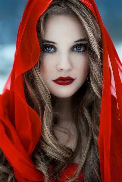 bloody hot red lips   pretty designs