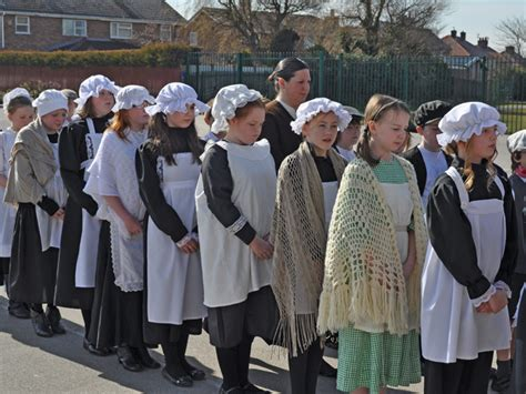 pictures of the victorians forefield junior school events 09 10 y6 victorian day