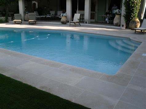 terrasse carrelage autour piscine nos conseils