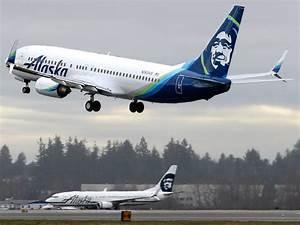 Naked man force... Alaska Airlines