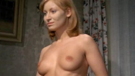 Naked Anne Graf In Eine Armee Gretchen