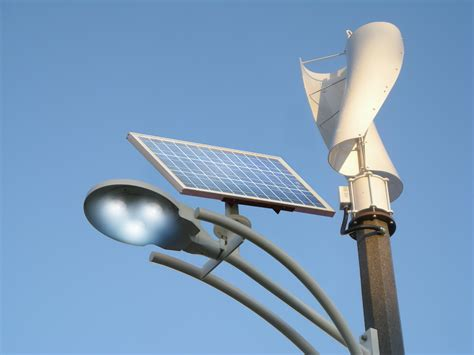 here comes a streetlight that runs on wind and solar energy