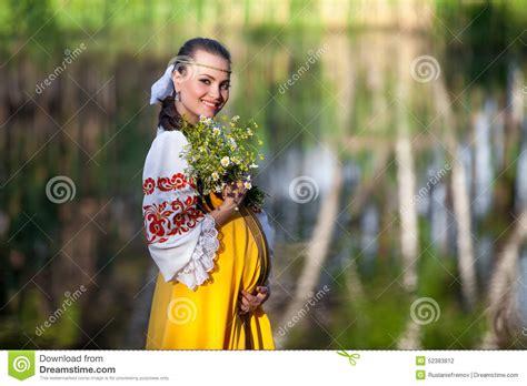 photo femme enceinte exterieur femme enceinte 224 l ext 233 rieur photo stock image 52383812