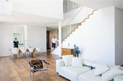 Bescheiden Wohnzimmereinrichtung Warm F 252 R Minimalisten Offenes Wohnzimmer Ihn Reinem Wei 223
