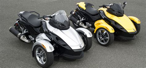 Bike Meets Car In Three-wheeled Can-am Spyder