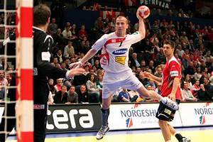 Datei:NOR - AUT (02) - 2010 European Men's Handball ...