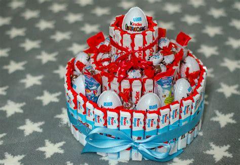 torte aus süßigkeiten basteln kinderschokolade torte 11 geburtstagsideen kinder schokolade kinderschokolade und kinder