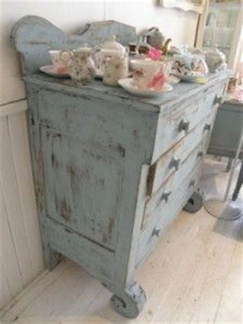shabby chic furniture how to do it yourself 1000 images about shabby chic retro bedroom on pinterest retro bedrooms door headboards and