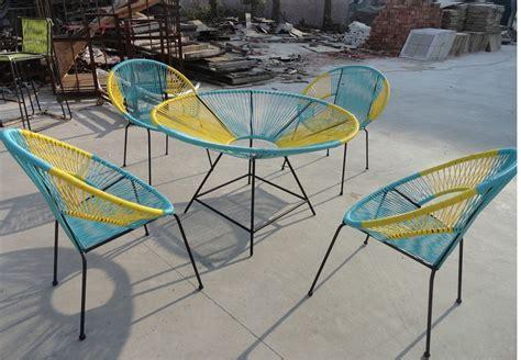 table ronde avec chaises best table de jardin ronde coloree photos awesome