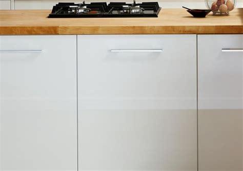 wooden cabinets for kitchen kitchens kitchen worktops cabinets diy at b q 1615