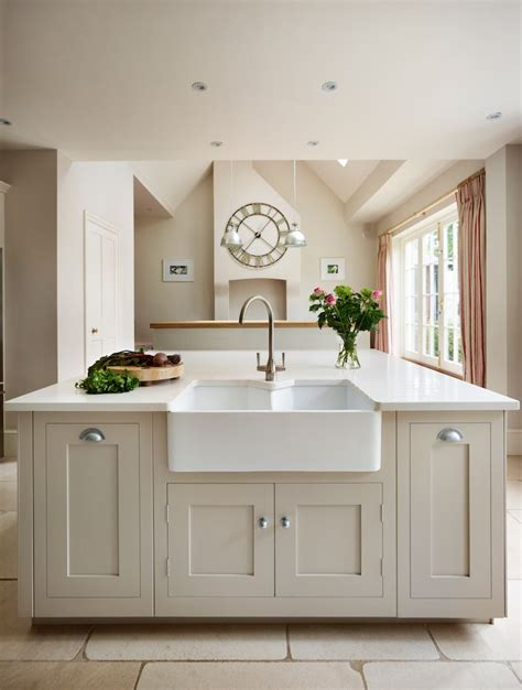 1000+ Ideas About Shaker Kitchen On Pinterest  Devol Kitchens Kitchen Cupboard Company In