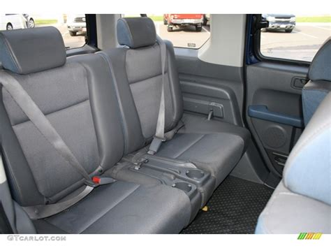 gray interior  honda element  awd photo