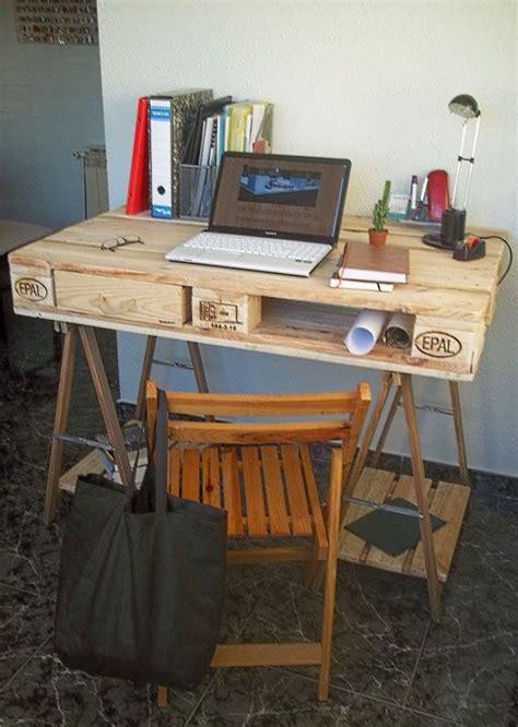 bureau palette bois 17 meilleures idées à propos de bureau palette sur