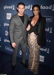 Nick Jonas And Demi Lovato Holding Hands | www.pixshark ...