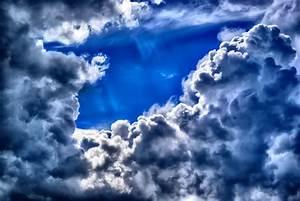 Clipart - Dark Cloudy Skies
