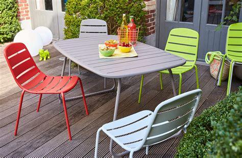 carrefour table et chaise de jardin carrefour la collection mobilier de jardin printemps été