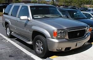 2000 Cadillac Escalade Base