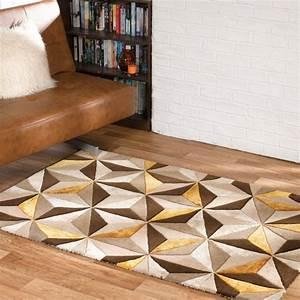 tapis chic le blog informations tendances et bons With tapis couloir avec canapé cuir taupe