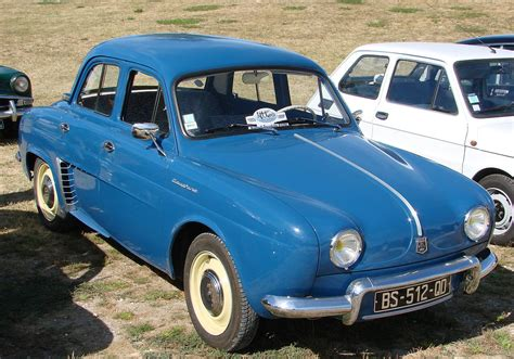 Renault Dauphine - Wikipedia