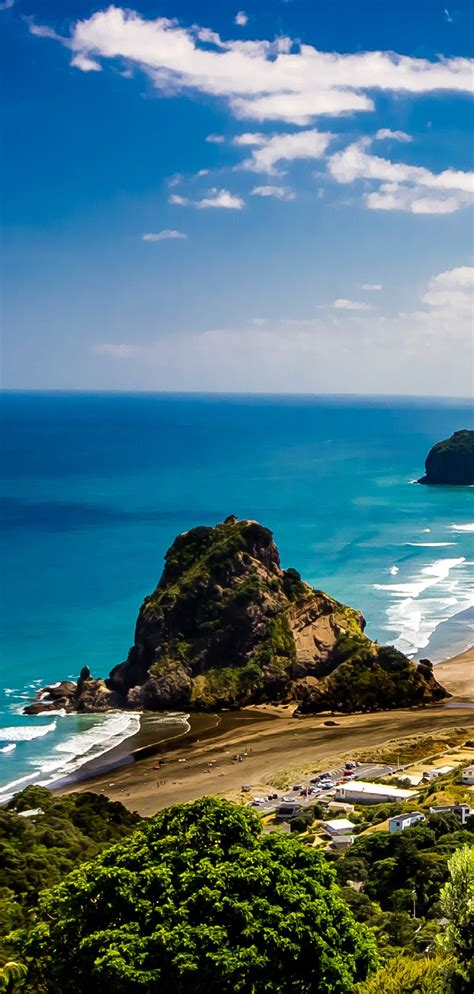 Lion Rock Piha New Zealand Very Popular West Side
