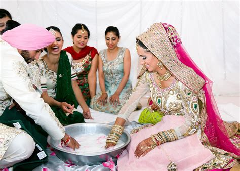 indian wedding games for the bride and groom श द क व बस इट