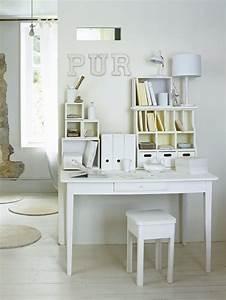 Bureau Blanc Simple : un bureau aux rangements tout blancs marie claire ~ Teatrodelosmanantiales.com Idées de Décoration