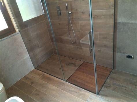 doccia a filo pavimento piatto doccia filo pavimento p dreno su misura