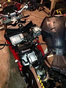 Monster 1100 Evo Powerlet Install - Ducati Ms