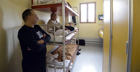 chambre prison avant départ le contrôleur des prisons lâche ses