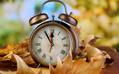 daylight saving time change clock fall