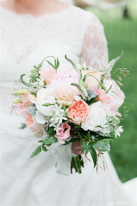 Barn Wedding Chicago Wedding Florist Life In Bloomlife