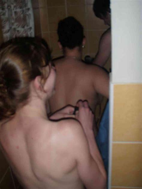 Pikileaks Amateur College Teens Shower Threesome Teen