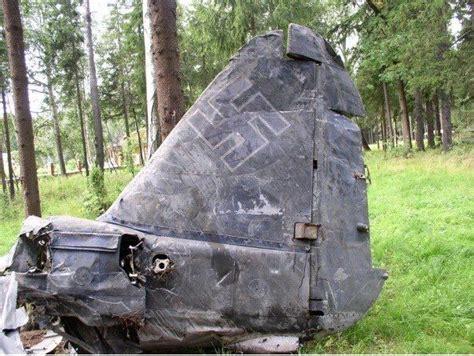 soldeer kachel oostfront slagveld overblijfselen van de gevechten in