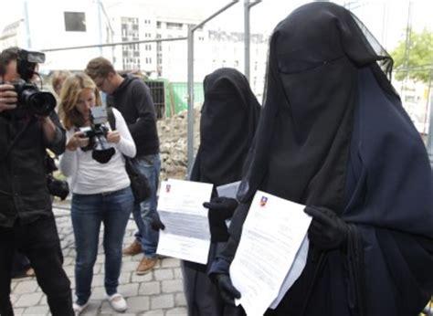 heres  frances burqa ban   violate human rights