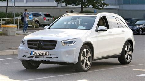 2019 Mercedes Glc Spied With New Headlights, Taillights