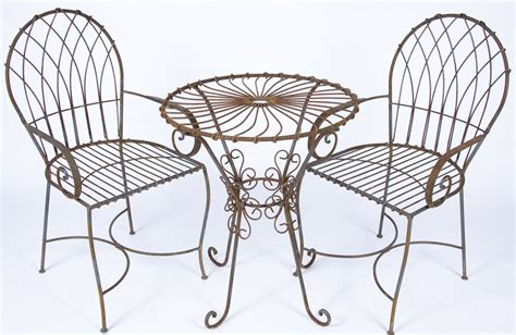wrought iron swirl table and chair set