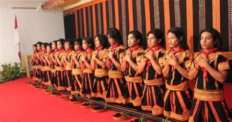 tarian tradisional  aceh nanggroe aceh darussalam cinta indonesia